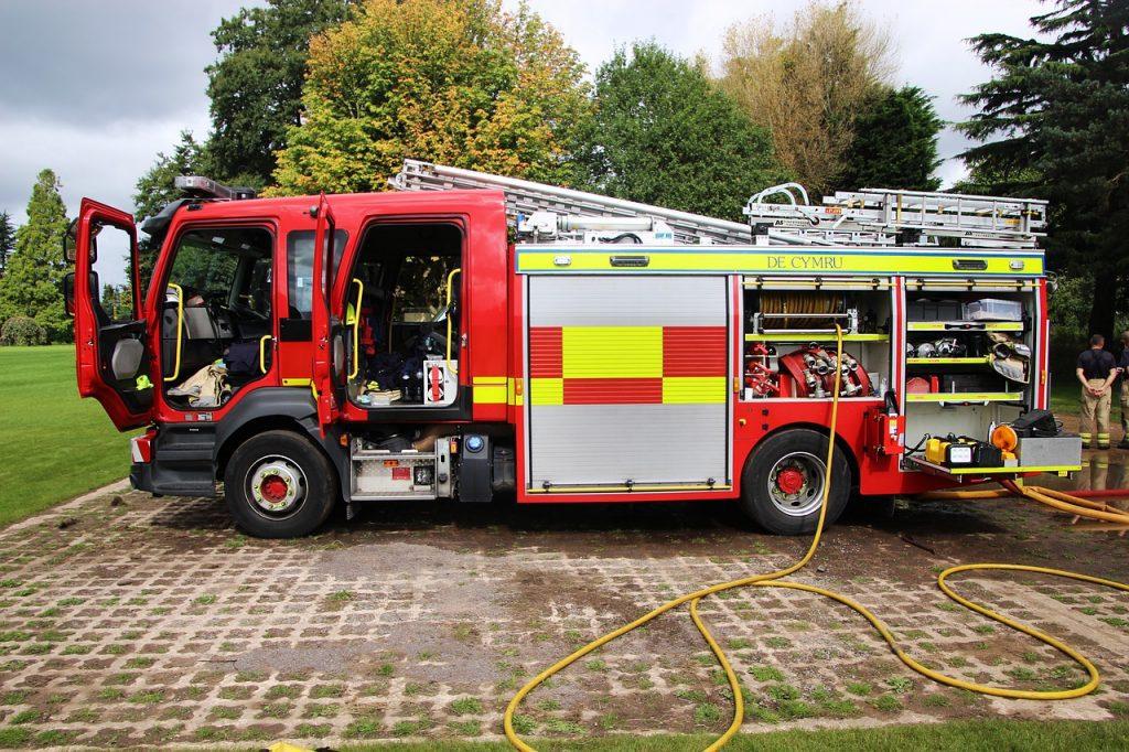 fire engine, fire truck, truck